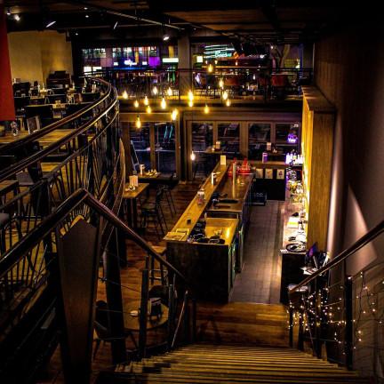 Latif's Frontcooking Bar